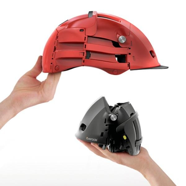 Unfolded vs. Folded Overade Helmet for Cyclist