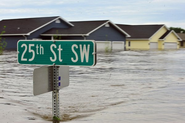 Flooding in Minot - North Dakota 2011